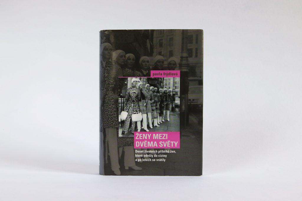 Celá lesbická sexuální kniha